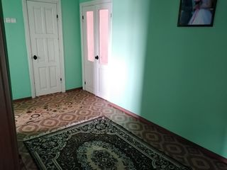 Vind apartament 3 Camere