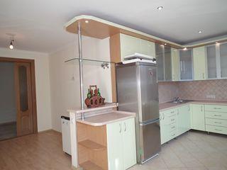 Apartament in centru, str. Puskin,  180m2