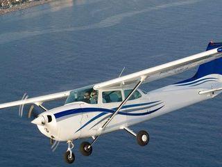 Zbor cu avionul Полет на самолете Cessna 172