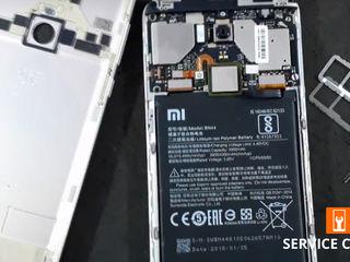 Xiaomi RedMi 5 Plus  Nu ține bateria telefonului. Noi ți-o schimbăm foarte ușor!