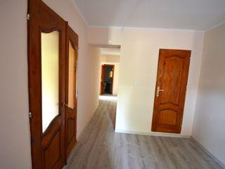 Ciocana 2 camere 75 m2 / Anexa (iesire separata) / beci