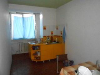 Gratiești apartament 4 odăi..27000E.