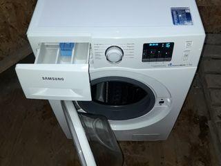 Стиральная машина Samsung свежая из Германии.Сотовый бак.На 7 кг.