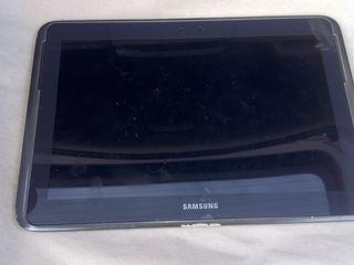 Se vinde tableta Samsung Note 10.1 Limited edition