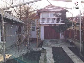 Casa pe pamint in 2 nivele, Buiucani, + 1 casa cu un nivel