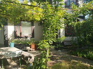 Vila 14 ari sectorul rezidential Danceni 100m de la iaz