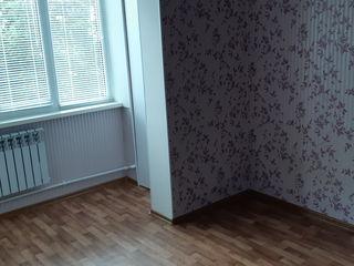 Срочно однокомнатная, площадь 27 метров, ремонт, мебель на кухне, 4 этаж из 5 (Молодово) 7700 euro