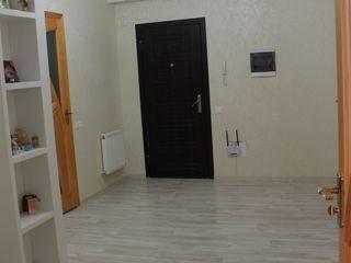 Apartament Buiucani pe prima linie! 880 euro mp.