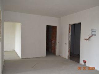 Bloc nou, 2 dormitoare, 72 m.p.  varianta alba/ posibil si achitarea in rate