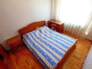Румынский спальный комплект из натурального дерева