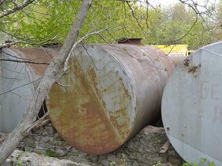 Vând cisterne