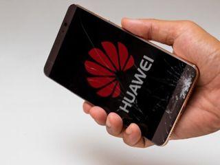 Услуги по ремонту телефонов Huawei, замена экрана, стекла, батарей.