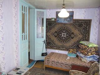 Две части или весь 1.5-эт.дом,245 м2 на 8 сотках,г.Бельцы,район Кишиневского моста
