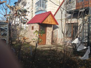 Centru, casa la pamint 80 m2, 45000 euro