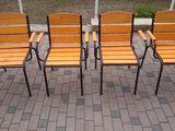 Masa si scaune din lemn si plastic!