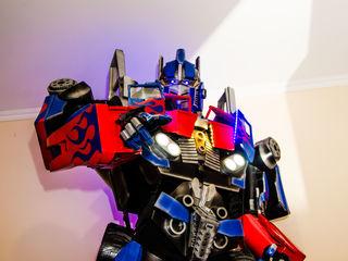 Roboți Transformers la evenimente corporative