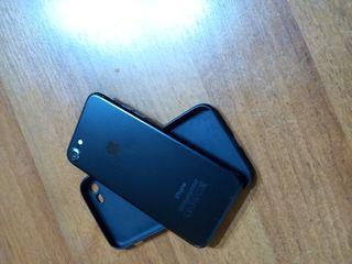 Vînd Iphone 7 urgent tot original