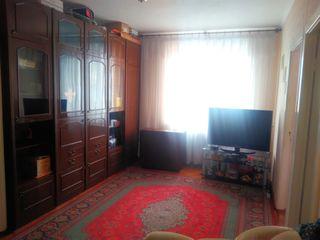Продам 3-х комнатную квартиру район Стелуца ул. Т.Владимиреску 8