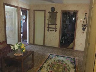 Срочно:3-комнатную квартиру во Флоренах, 11км от Кишинева. Большая, тёплая с автономным отоплением.