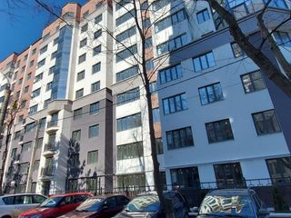 Apartament cu 4 odai, 94 m2, Exfactor, sect. Centru !!