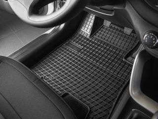 Pезиновые коврики высокого качества, адаптированные к конкретной модели автомобиля