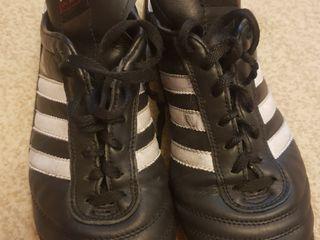 Fotbal, încălțăminte.