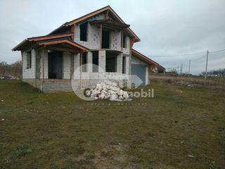 Casă cu 2 nivele, 140 mp, Budești, 29900 € !