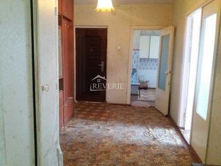 Jubileu Apartament cu 3 camere etajul 7 din 9, 70m2-33500