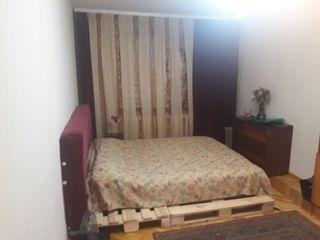 Сдаю 2-комнатную квартиру в центре рядом с ASEM
