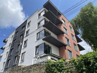 Estate Club House II! Penthouse în 2 niveluri! str. Măcieșilor, 5 camere + living. Variantă Albă!