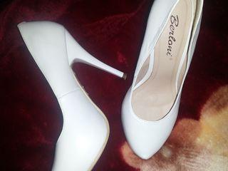 Pantofi pentru mireasă!
