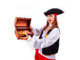 Animatori. Zile de nastere pentru copiii: pirati, clovni, zina magica si alti eroi.