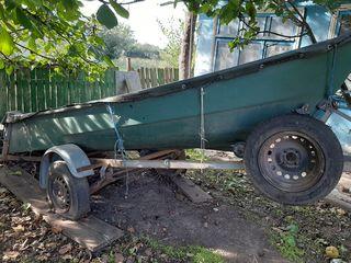 Vind barca cu mtotor
