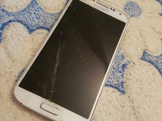 Vind Samsung Galaxy s4 cu ecranu stricat plata lucratoare 100%