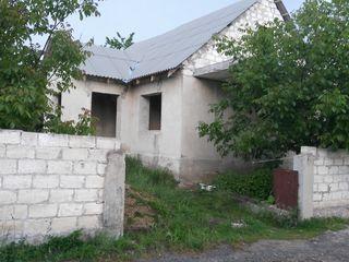 Casuta nefinisata si teren aferent in c. Ciorescu 10km de la Chisinau