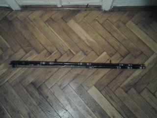 Бамбуковая удочка с катушкой 1.5 м. с попловком леской крючком грузом 200 лей