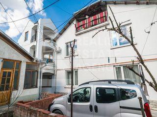 Casă în 3 nivele poziționată pe str. București, sect. Centru