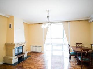Apartament în chirie, 5 camere, str. Columna! 190 mp!