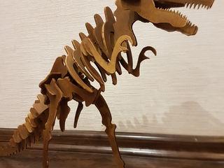 Tiranosaur rex .ручная работа выполненная ребенком