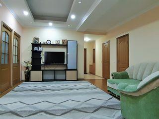 Vânzare apartament, 3 dormitoare cu living, bloc nou, reparație euro, parc, Botanica, 620 euro / m2!
