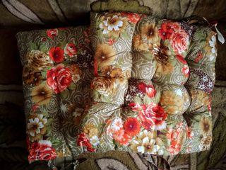 Подушки на стулья или табуретки