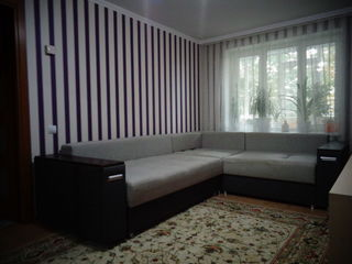 Se vinde apartamentul la etajul 2 cu euroreparatie