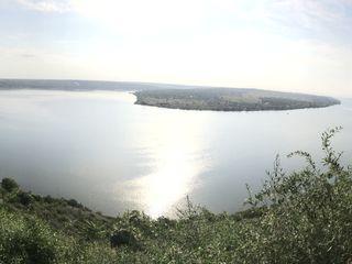 Участок на берегу реки Днестр