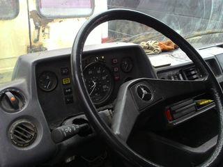 Mercedes Se vinde 407 210
