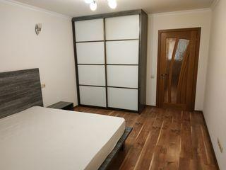 Vind apartament cu 3 odai, 86,6 m2