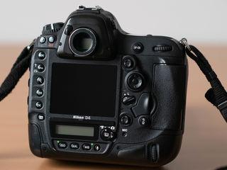 Vând Nikon D4 cu 37280 declanșări