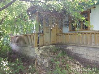 продаем дом под снос с приусадебным участком 24.4 сотки в каларашском  районе