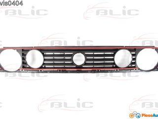 куплю решетку радиатора VW Golf 2 на 4 фары