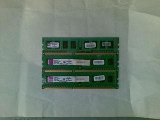 Kingston DDR3 KVR1333D3N9/1G- 3 шт.