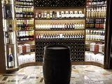 Мебель для винного магазина